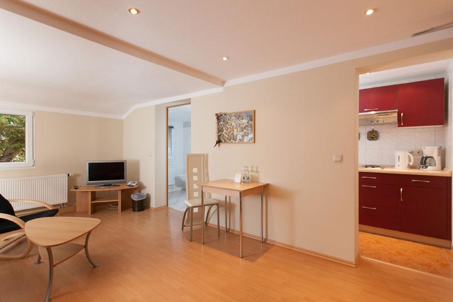 Standardzimmer mit Küchenzeile