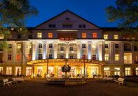 Der Kaiserhof am Abend